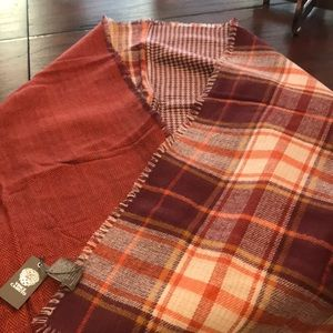 NWT Vince Camuto scarf/wrap